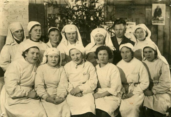 Деятельность эвакогоспиталя 1392 в здании гимназии 1 ветераны - бывшие работники эвакогоспиталя 1392 на